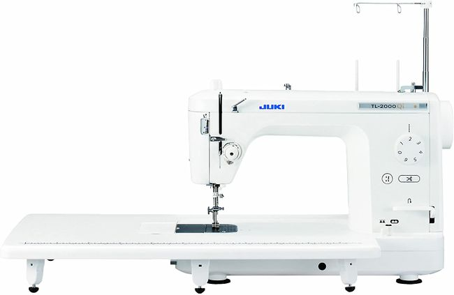 White Juki TL-2000Qi- good quilting machine